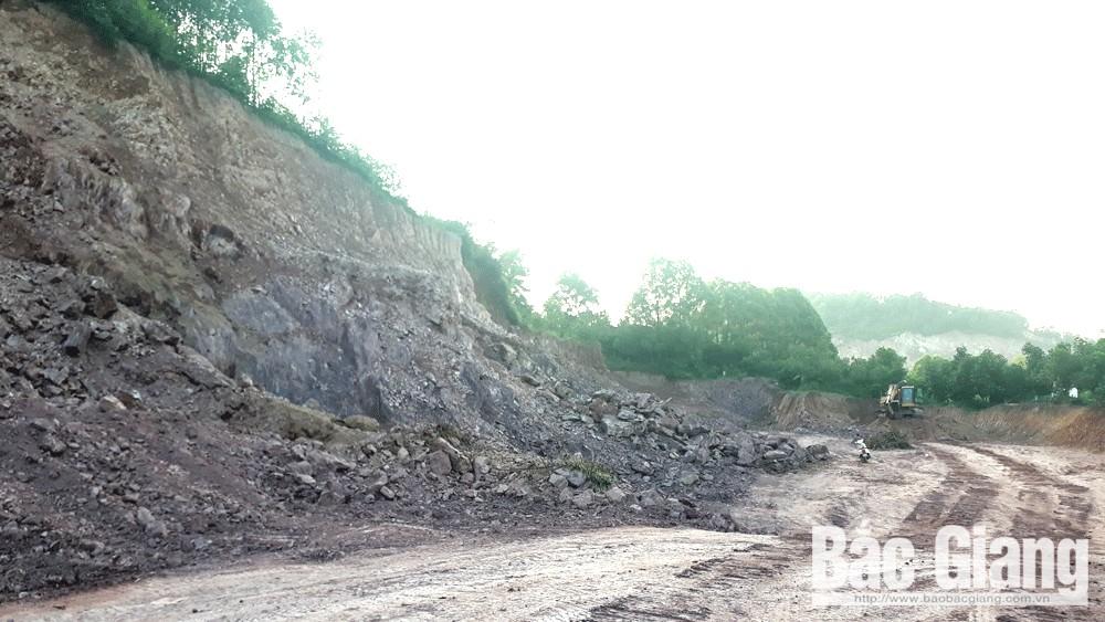 Yêu cầu cá nhân hạ độ cao cốt nền tại thôn Bình An, xã Tiền Phong dừng khai thác đất san lấp mặt bằng